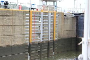 A visual of the change in water levels in the lock and dam system.