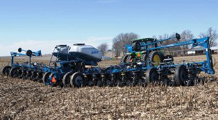 Kinze 4900 Series planter.