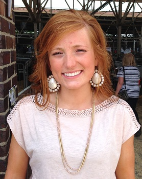 Maddie Caldwell, Elmwood Illinois at World Pork Expo 2014 Junior National Swine Show