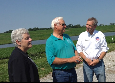 EPA Administrator Gina McCarthy, Bill Heffernan, EPA Region 7 Administrator Karl Brooks at Heffernan's mid-Missouri farm