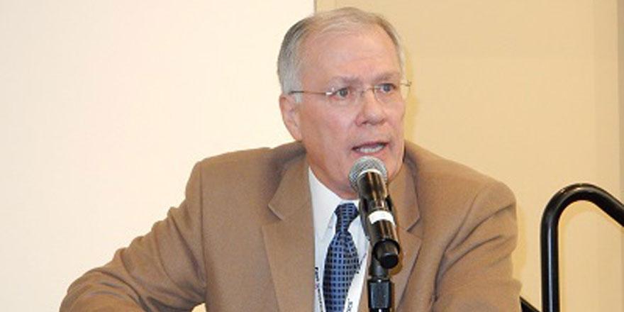 Dr.-Paul-Sundberg-discusses